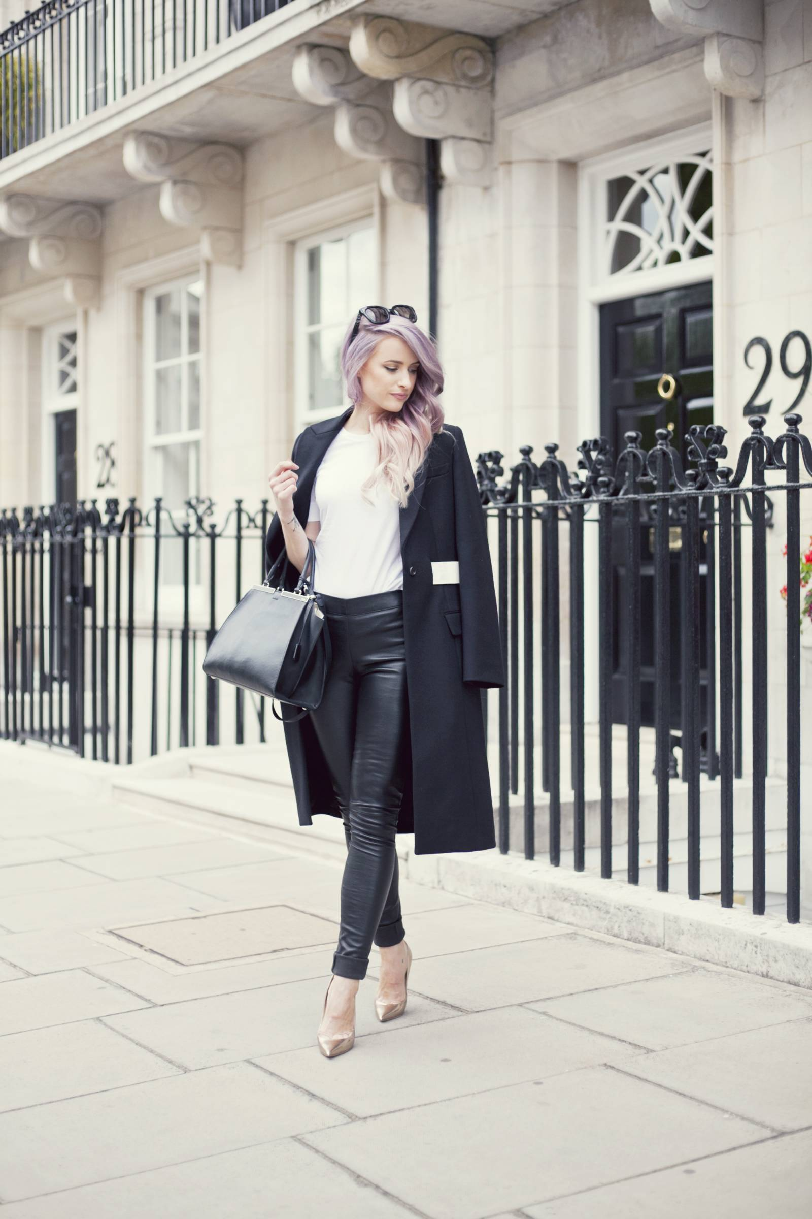 VICTORIA-INTHEFROW3