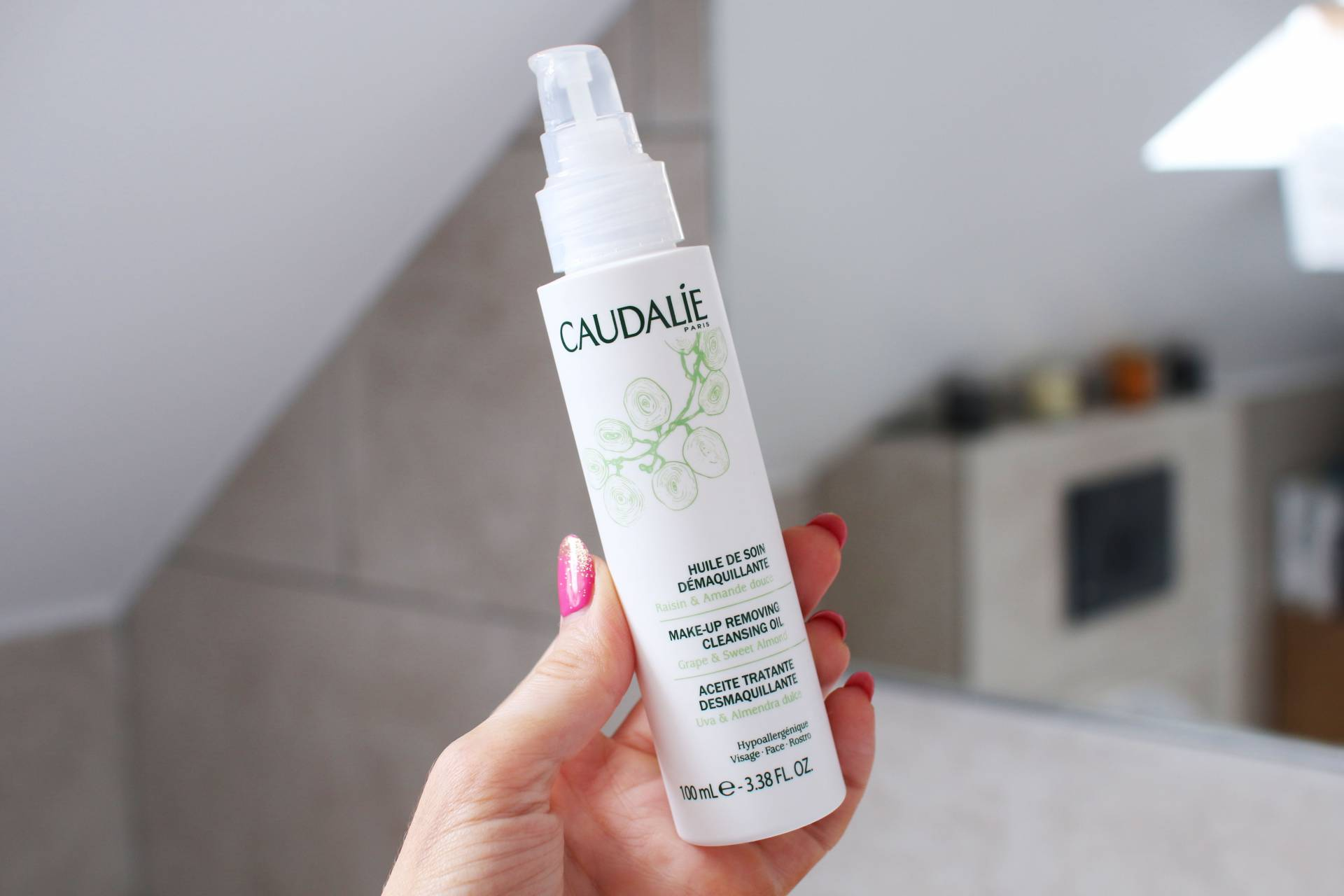 caudalie cleansing oil inthefrow