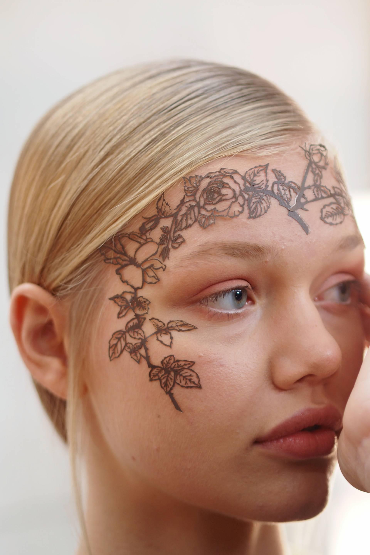 phyllis cohen face lace bora aksu london fashion week s/s16