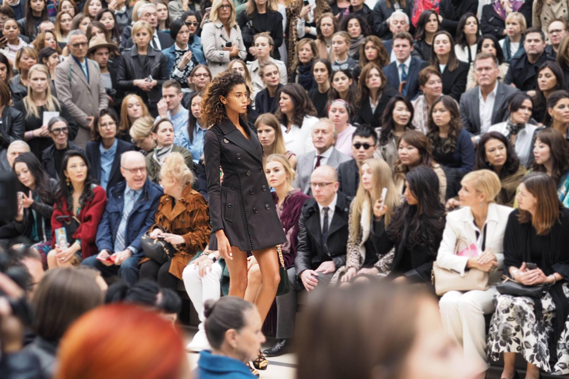 Burberry Spring/Summer 2016 London Fashion Week Runway inthefrow.com Imaan