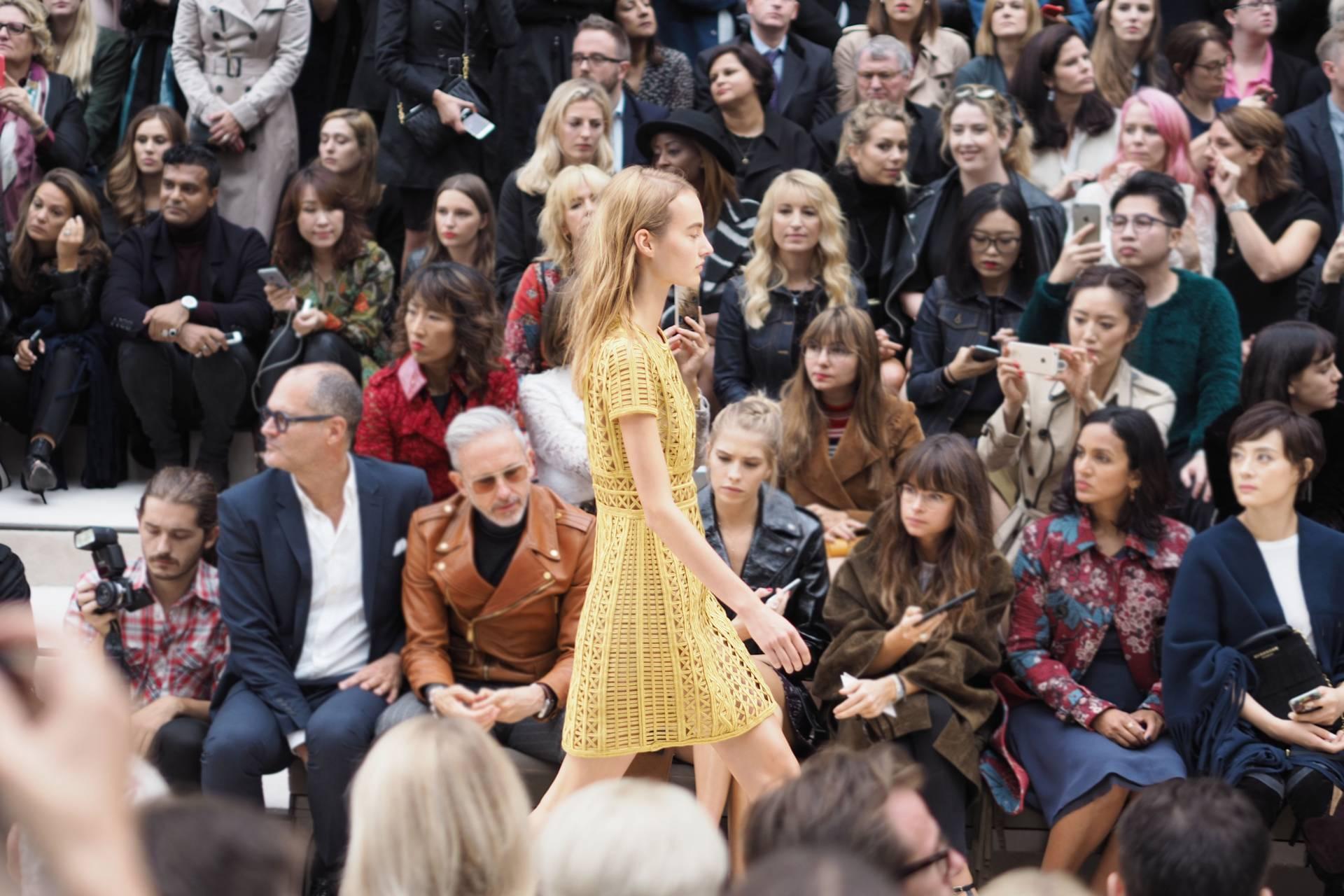 Burberry Spring/Summer 2016 London Fashion Week Runway inthefrow.com