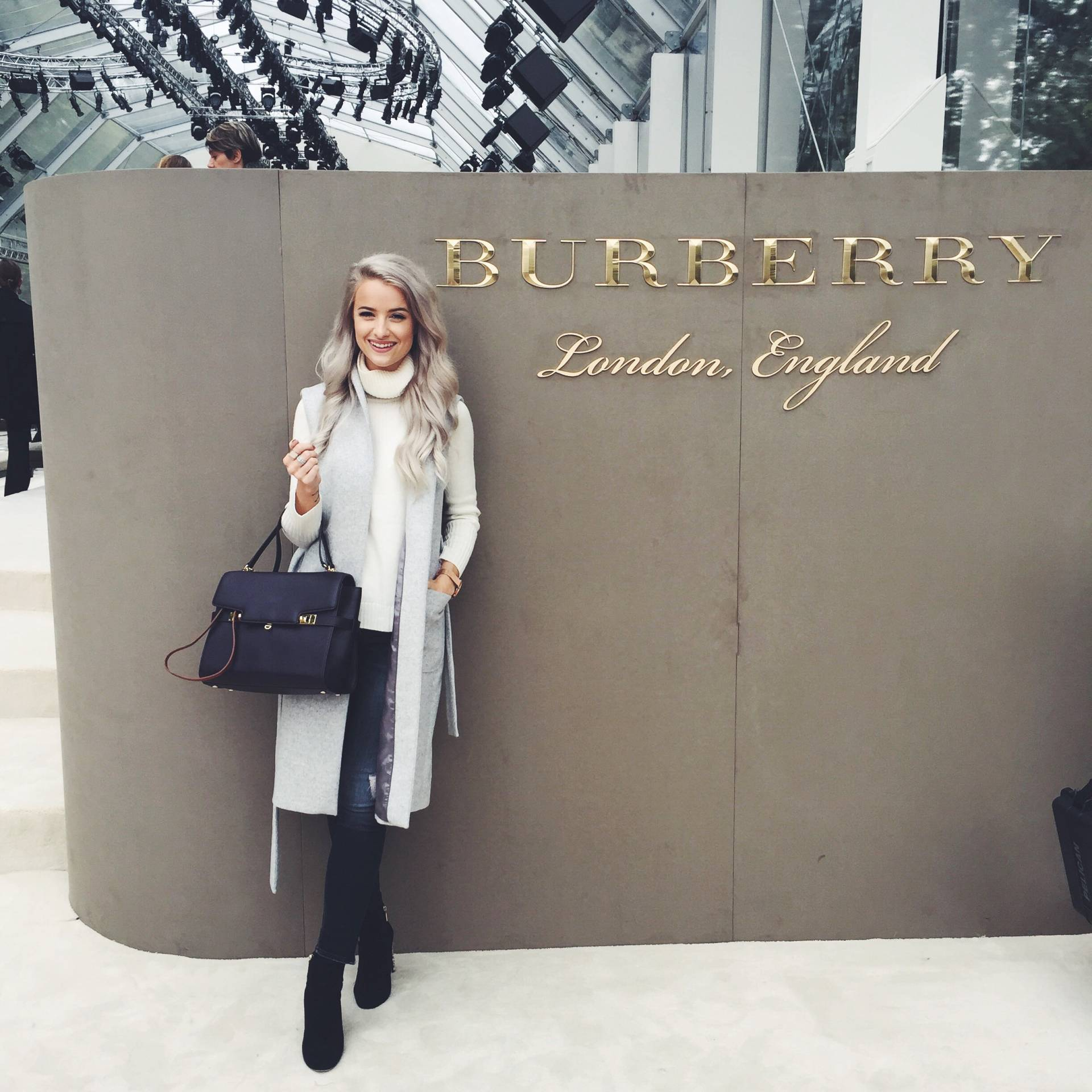 Burberry Spring/Summer 2016 London Fashion Week inthefrow.com