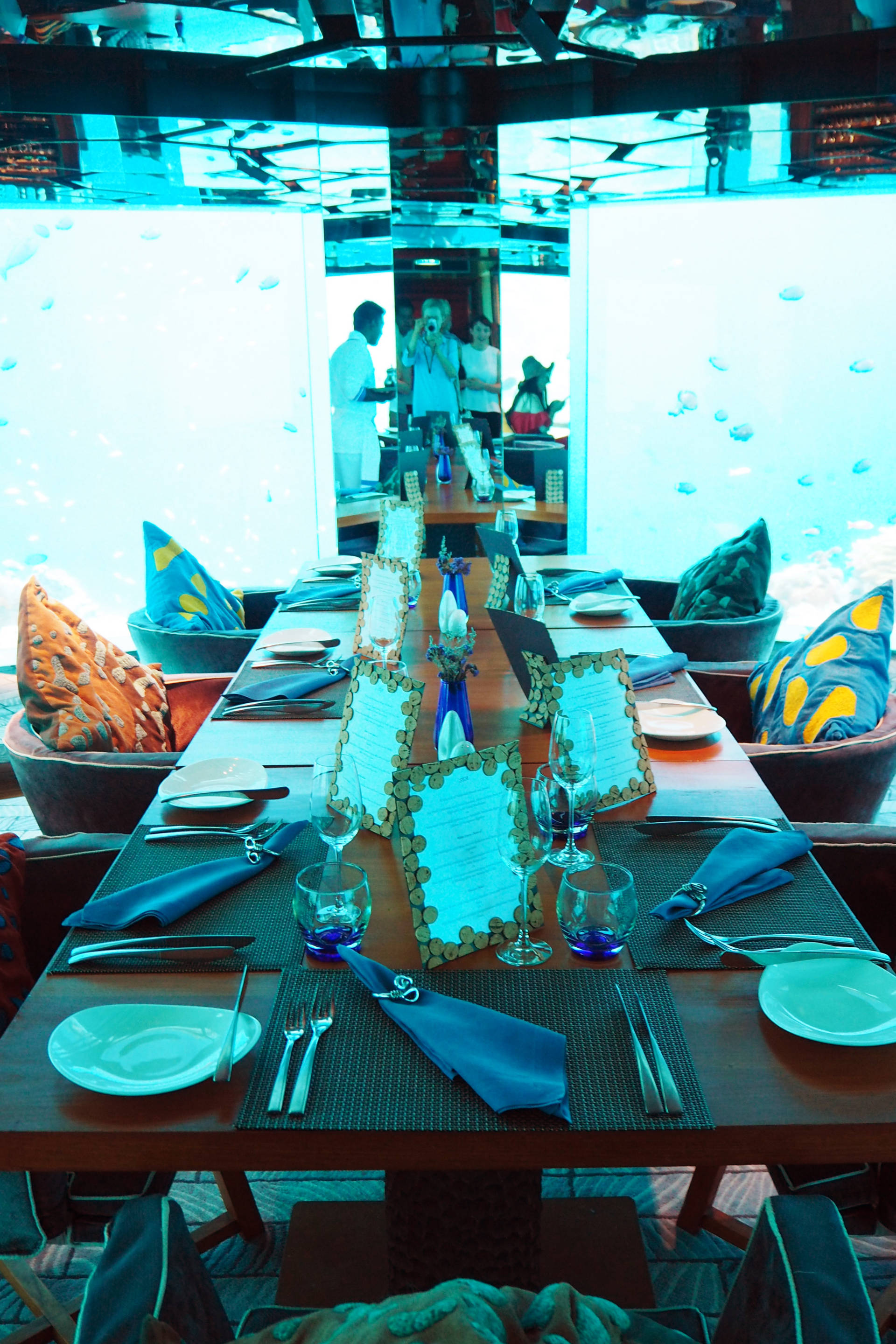 the maldives anantara kihavah underwater restaurant