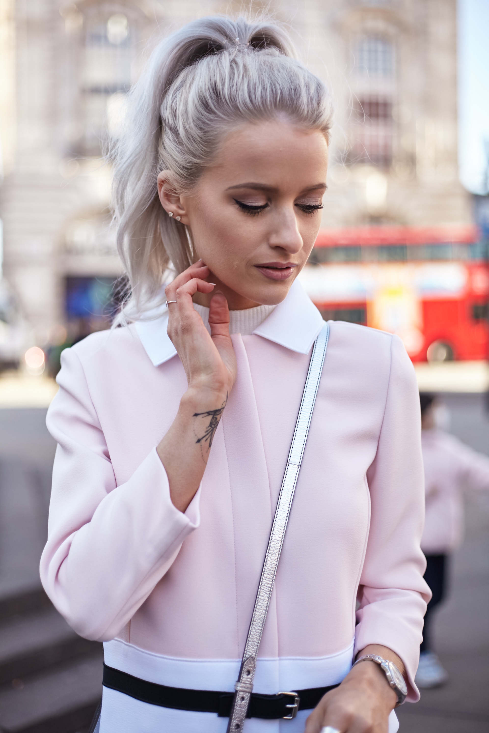 1ca0442dddc Where to Find the Best Fashion Inspiration - Inthefrow