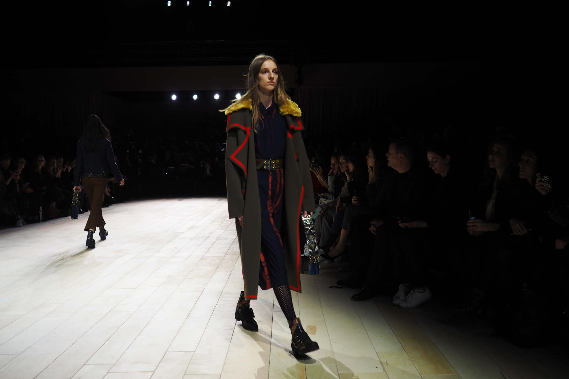 burberry london fashion week autumn winter 2016 a/w16 inthefrow