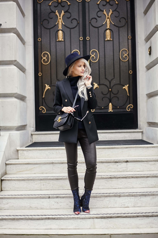 inthefrow london fashion week celine box bag