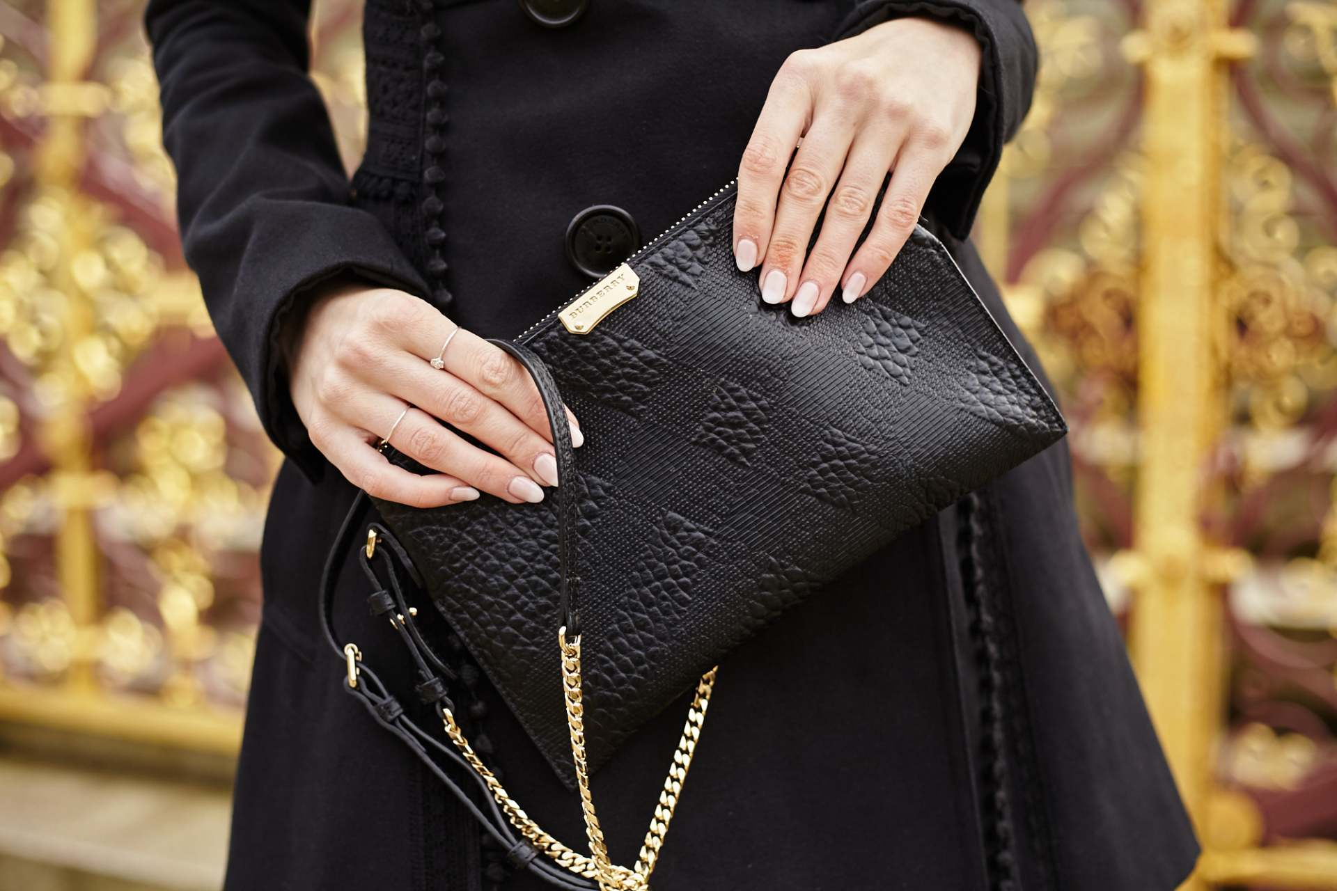 burberry black clutch bag, burberry black trench coat