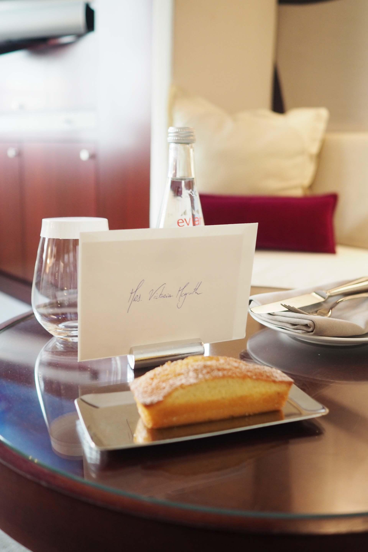 pfw inthefrow mandarin oriental hotel paris