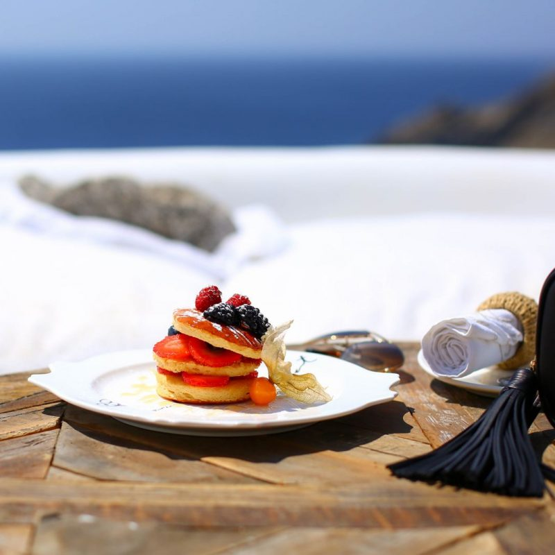 3 places to eat in Mykonos