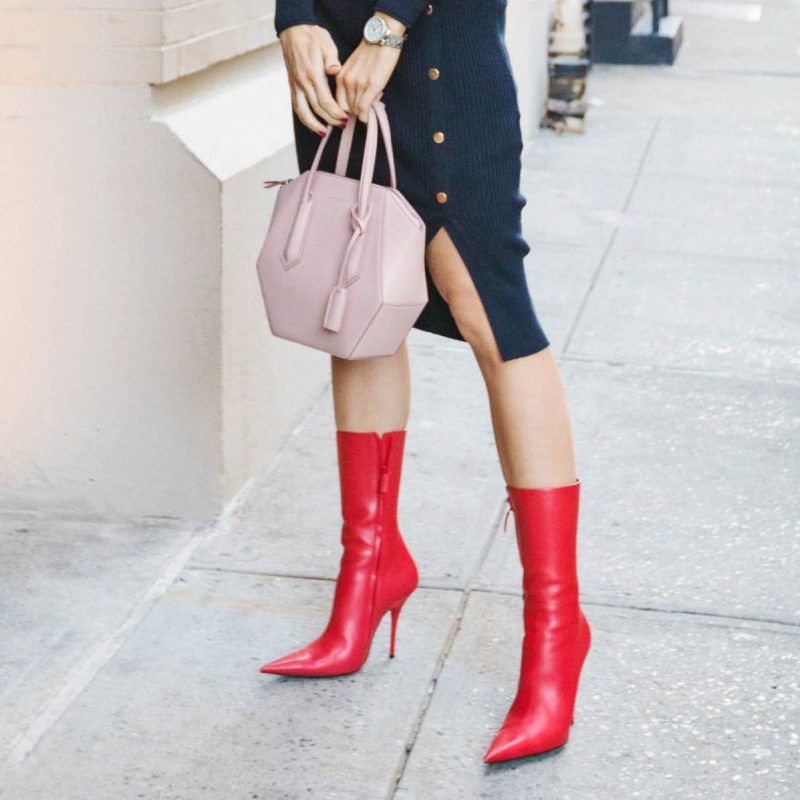 red accessories for autumn